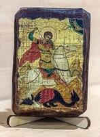 Георгий, убивающий змея, икона под старину, на дереве (8x10)