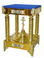 Подставка под ковчег четырех-опорная, низкая, с крестом, с литыми накладками, с литыми ножками, с синим бархатом