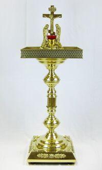 Крышка панихидного стола песочная на подставке, с квадратным основанием