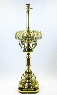 Подсвечник на 52 свечи восьмигранный, с высокой лампадой, с литьем, с литыми ветками